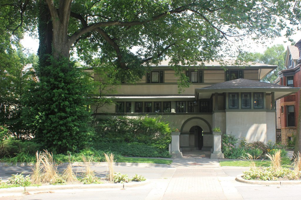 Oak Park, front of Frank Thomas House shrouded by large oak tree